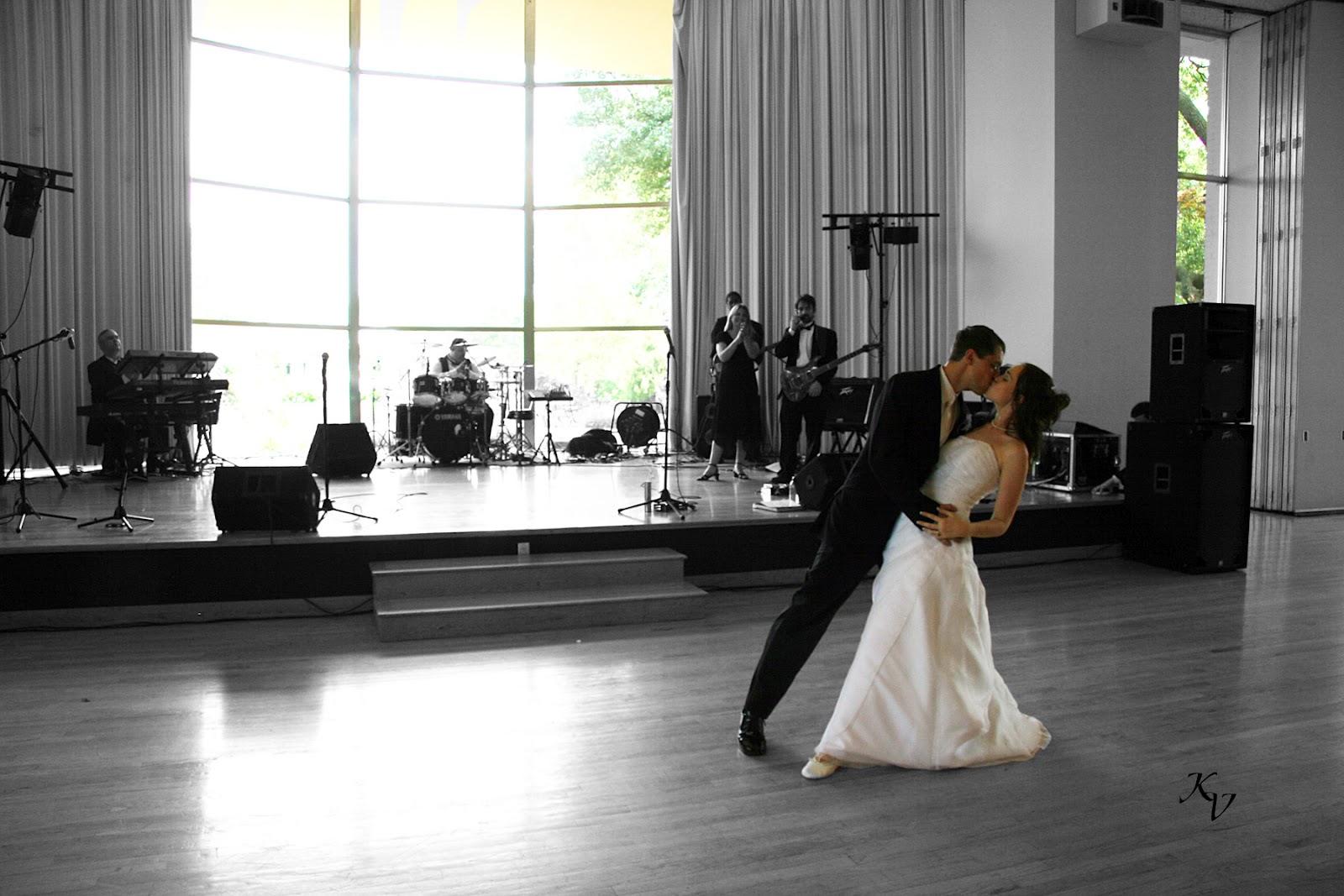 http://4.bp.blogspot.com/-Rd2KIPnYfEY/UEtjyc-6NeI/AAAAAAAAAFI/pl3THiEr_4o/s1600/cute_romantic_couples_in_love_wallpapers%20(77).jpg
