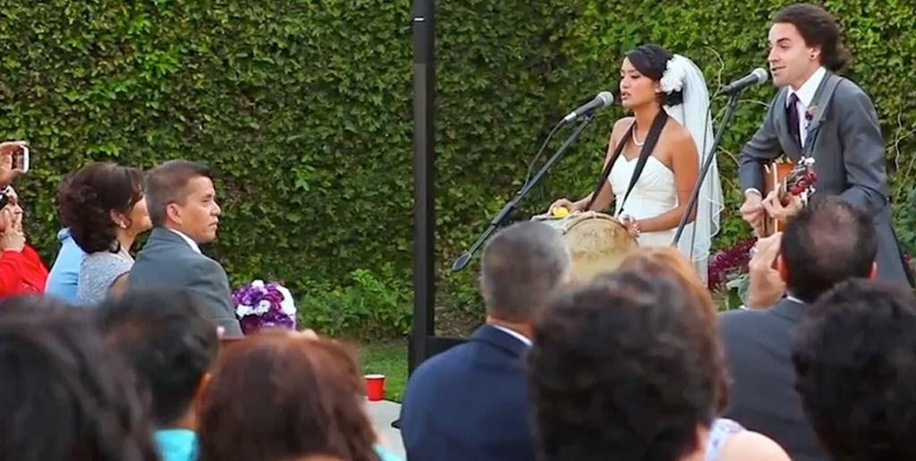 Nyanyikan Ikrar Suci Pernikahan, Duo ini Jadi Viral