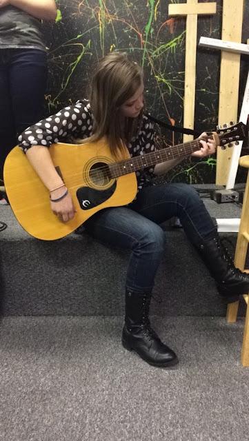 guitar lessons schoolhouseteachers.com homeschool
