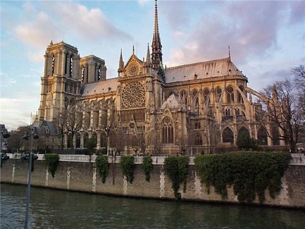 «Paris Notr-Dam kilsəsi» ile ilgili görsel sonucu