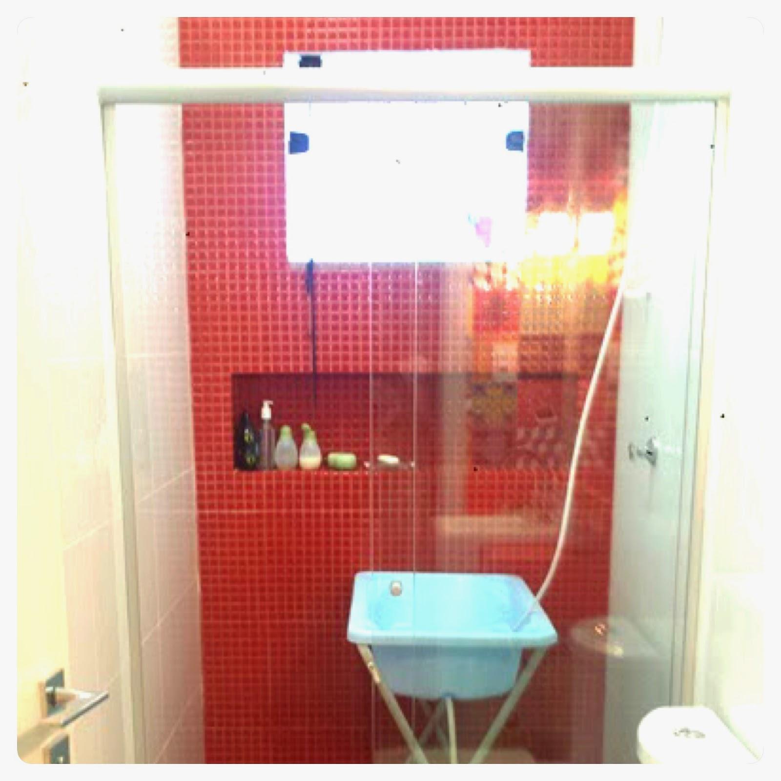 banheiro vermelho #2A9AA1 1600x1600 Armario De Banheiro De Vidro Vermelho