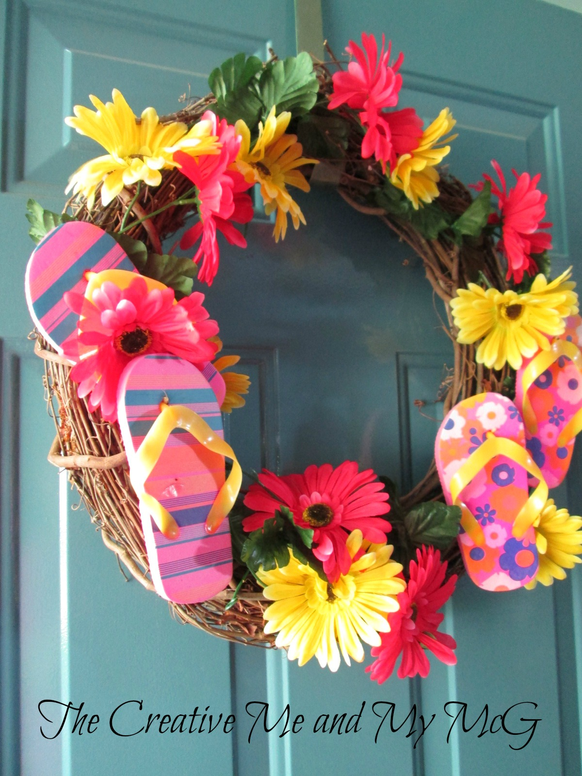 The creative me and my mcg summer is knocking on my door for Diy summer wreath