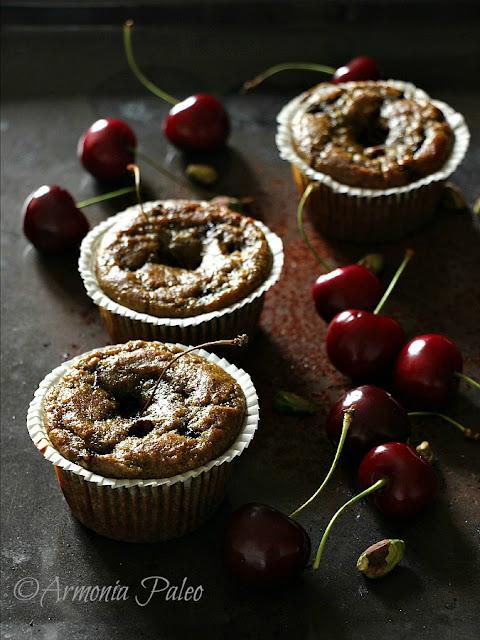 Muffins con Ciliegie e Pistacchi di Armonia Paleo