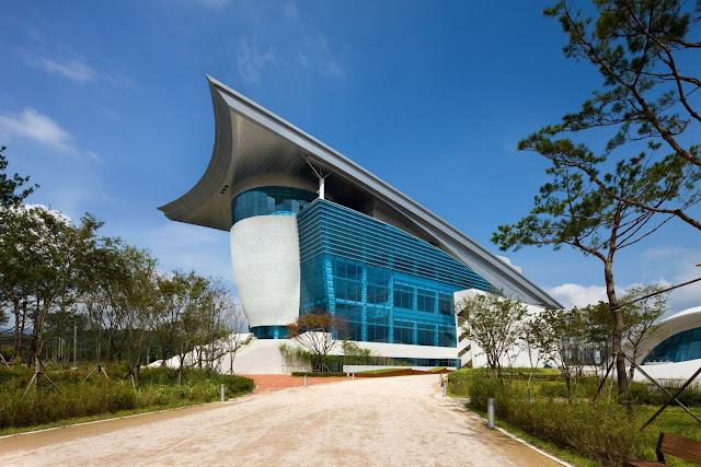 06-Gyeongju-Arts-Center por Samoo-Arquitectos-Ingenieros