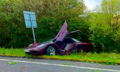 gambar mr bean kemalangan