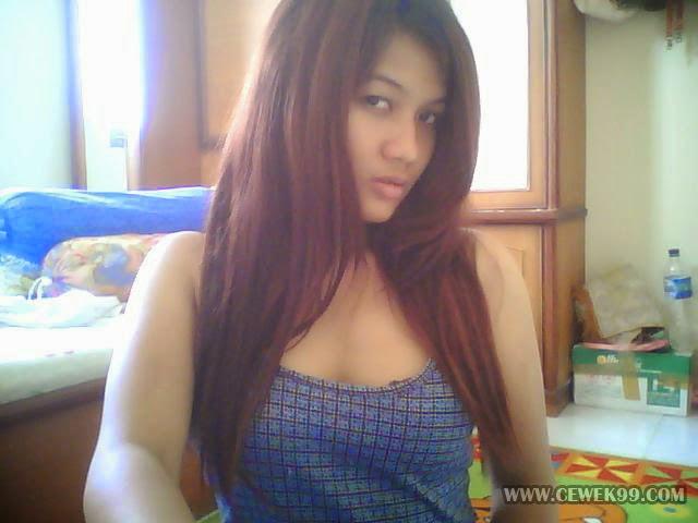 Pose Menantang Mahasiswi Di Depan Web Cam