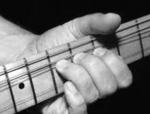 tips belajar melodi gitar