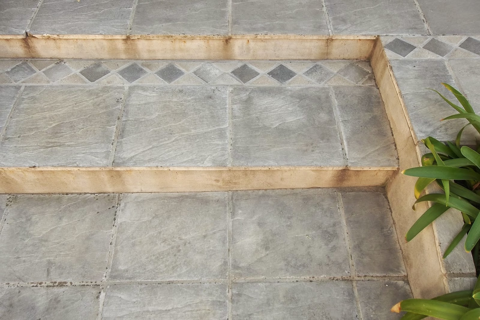 Premoldeados el muro baldosas y pisos for Precio de baldosas para patio