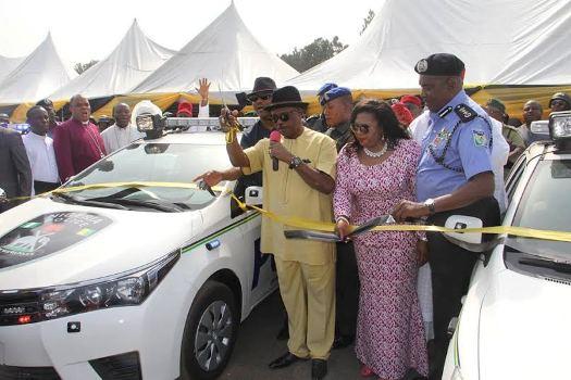 Anambra Government Donates 25 patrol Cars to Nigerian Police - PHOTOS