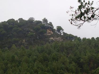 El Roc del Paraigua des de la pista de Monistrol a Moià