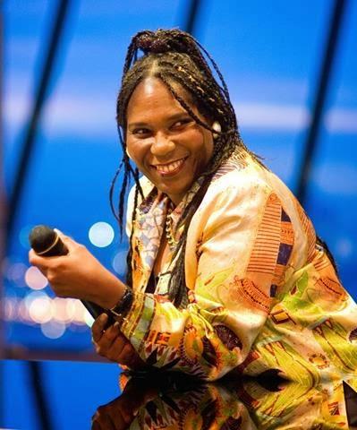Coco York Sings the Blues at Anantara