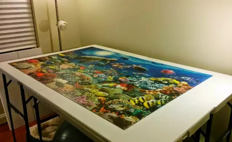 Ravensburger Under the Sea 5000 piece jigsaw puzzle close-up 1
