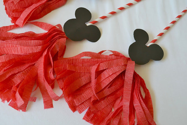 Mommy Testers DIY crepe paper Mickey Mouse Pom Poms #cbias