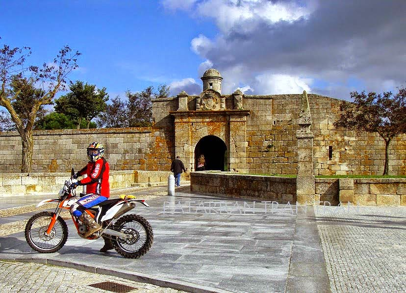 KTM Free Ride 350F. Africa Twin. Trail Forever Portugal.