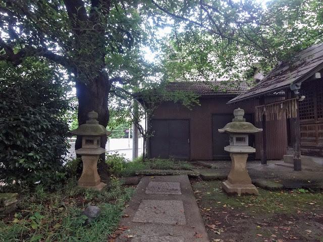 第六天神社,石灯篭,東中野〈著作権フリー無料画像〉Free Stock Photos