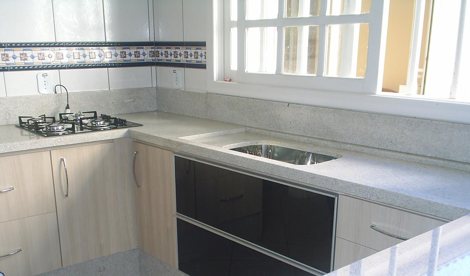 Design Mármores & Granitos Cozinha em Granito Branco Itaúnas # Bancada De Cozinha Em Granito Branco Itaunas