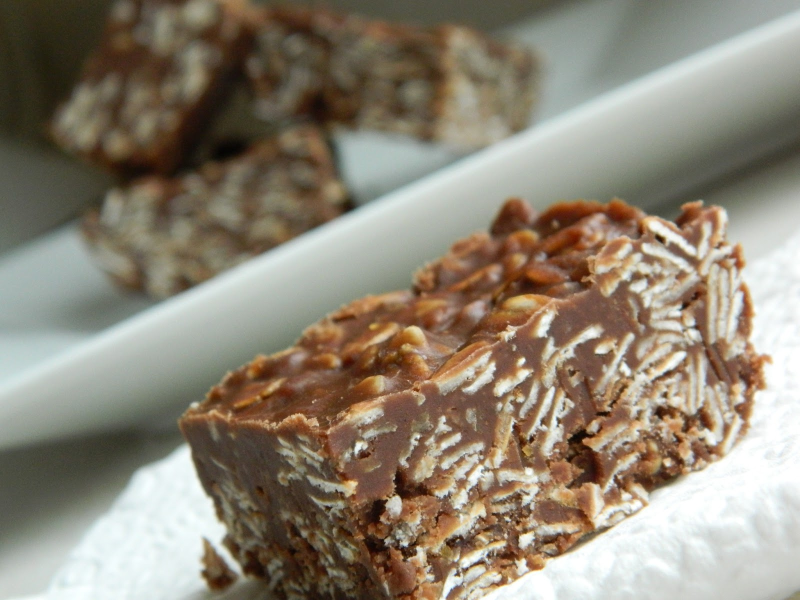 I Knead to Bake: Nutella No Bake Cookie Bars