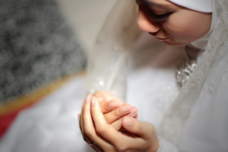 Pertunangan Along Fadzni