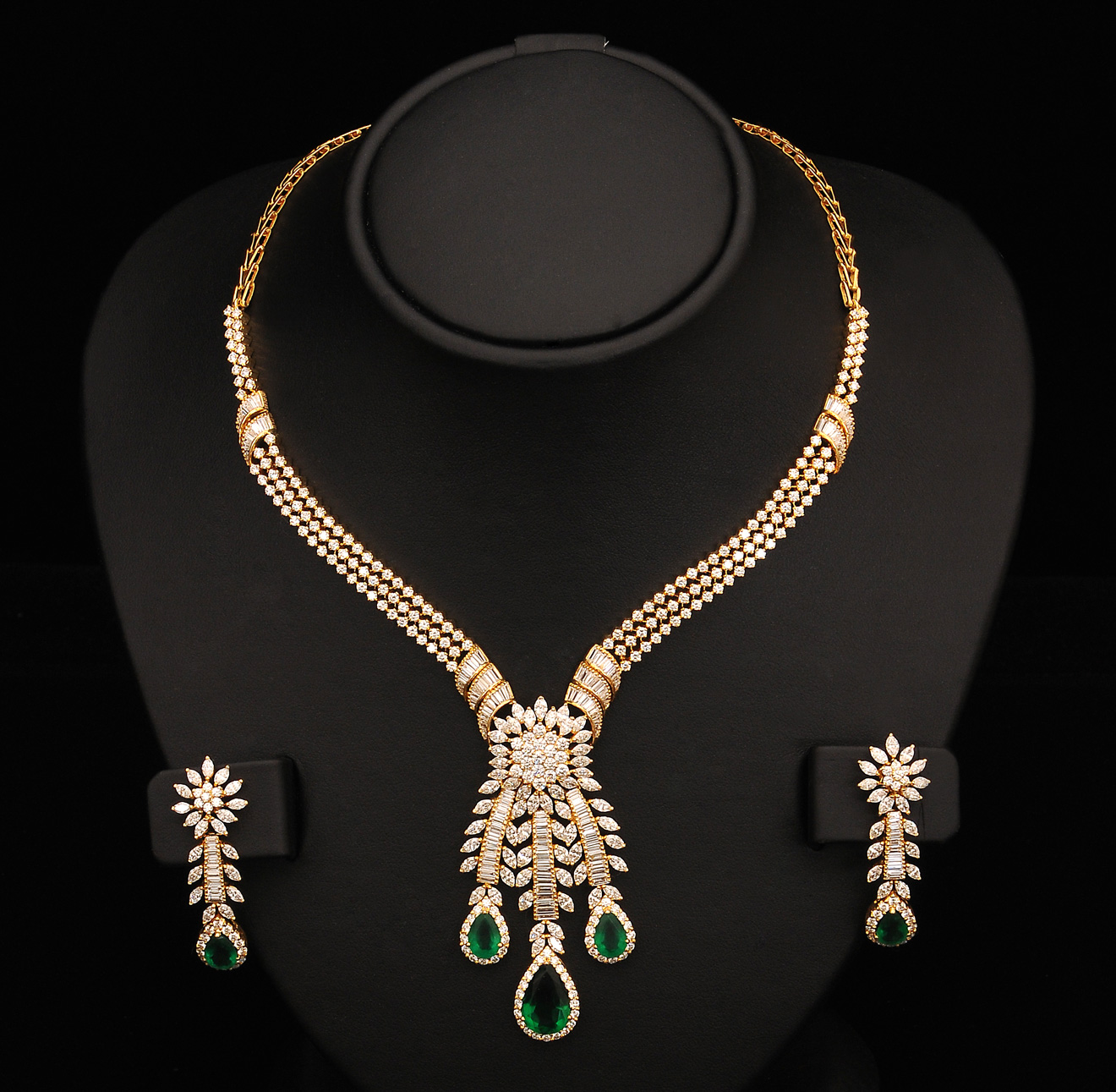 Indian Gold Jewellery From Websites For: Indiangoldesigns.com: Indian Diamond Bridal Necklace Sets
