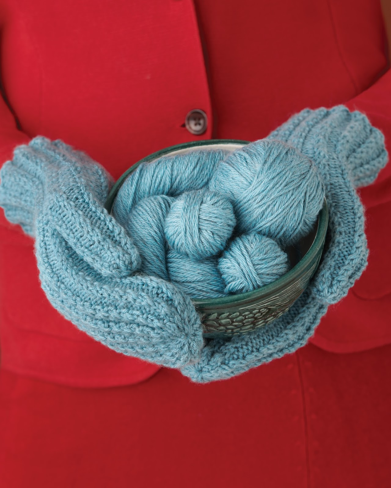 Cascade Yarns Blog: Close Knit - Wyckoff, NJ - Twisted Stitch Mittens - Patte...