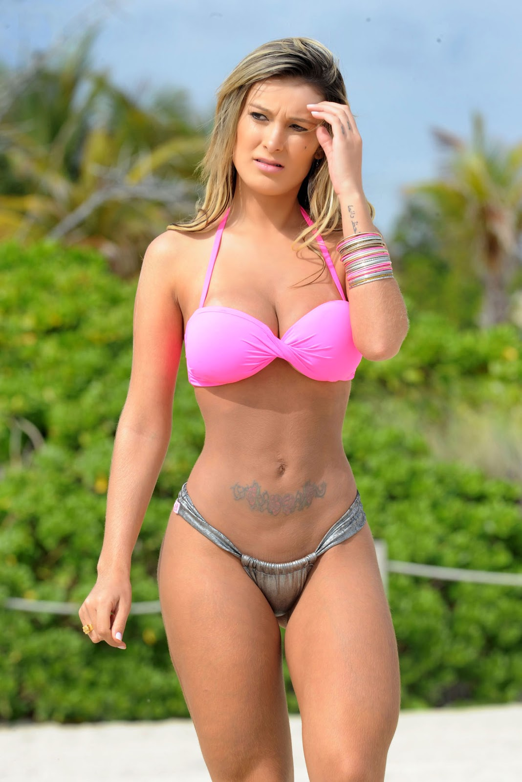 Andressa Urach In Bikini On The Beach Miami
