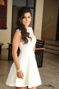 Isha Talwar Glamorous photos-thumbnail-9
