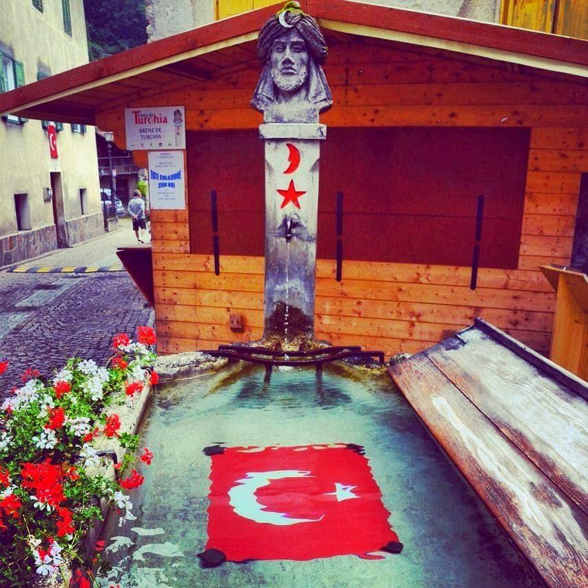 bir-yer-avrupanin-ortasinda-330-yillik-bir-turk-koyu-moena-italya-murat-aktas