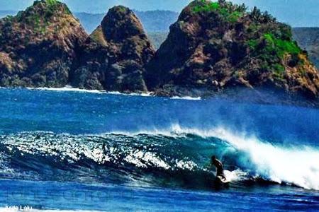 Pantai Mawi Lombok 3