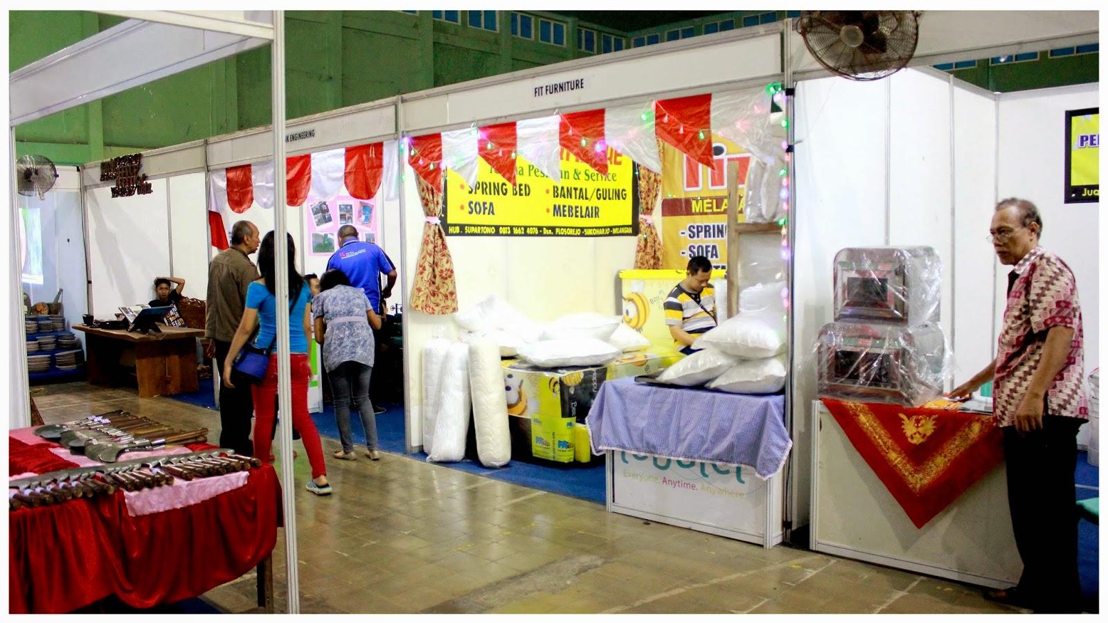 Galery Gebyar Umkm Award Nganjuk 2014 Toserba Produk Ukm Sofa Stand
