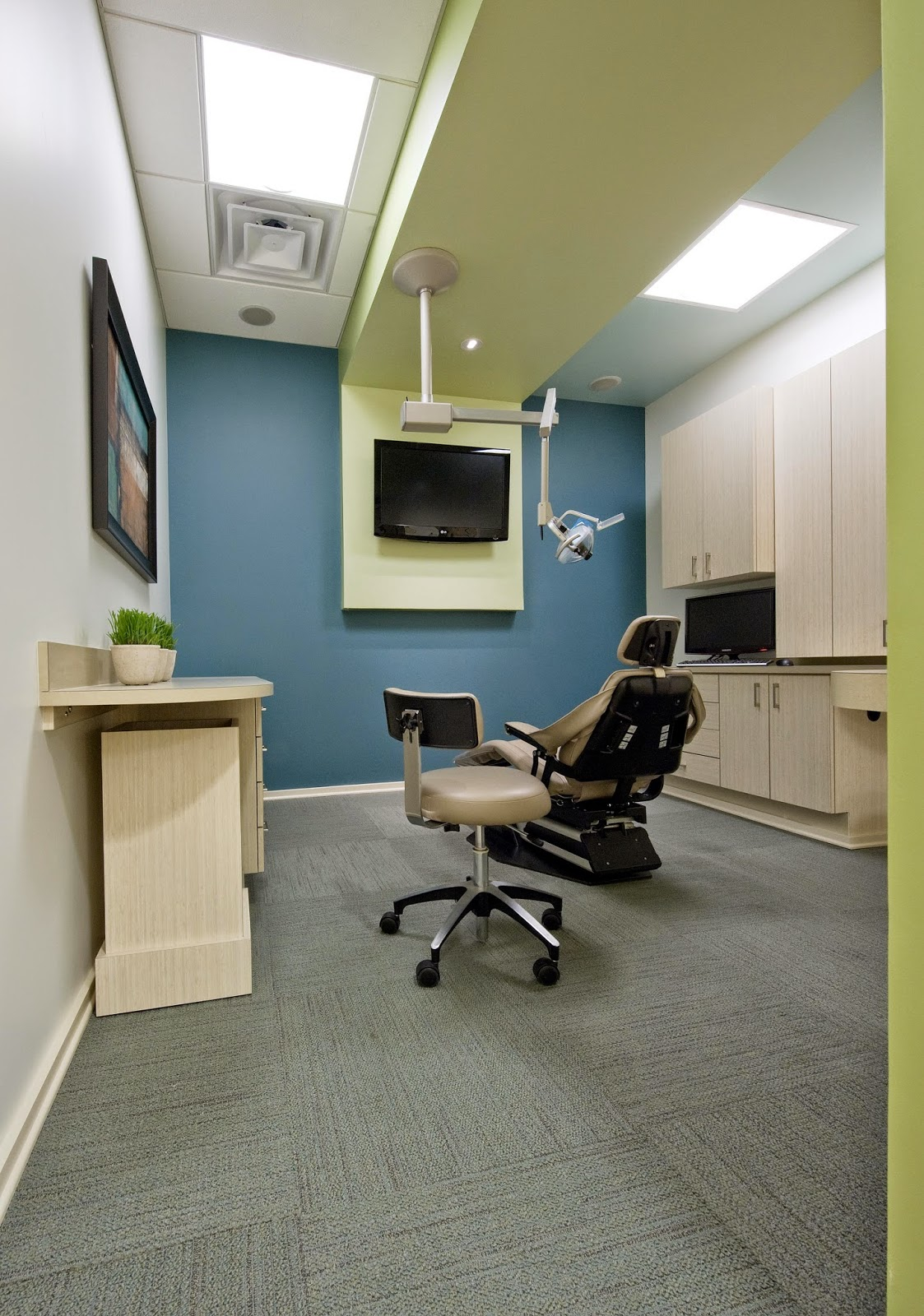 As Patient Is Often Frightened With The Treatment, Hang Some Infomercial On  The Wall Depicting Simplicity Of Certain Dental Procedures.