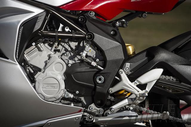 2014 MV Agusta F3 800 engine1