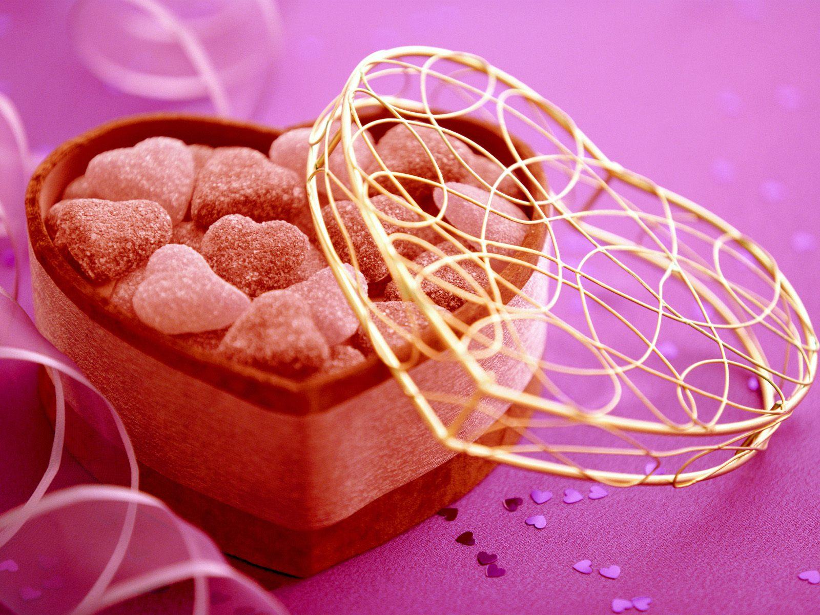 http://4.bp.blogspot.com/-Ri2-Fq83yCA/Twb4iY3xGCI/AAAAAAAACQ4/KFc32hYRWpA/s1600/Valentines_day_wallpaper.jpg
