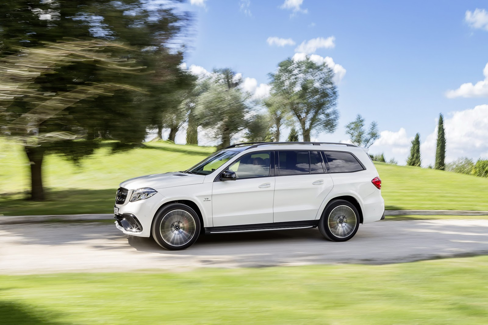 Mercedes turns gl into 2017 gls says it s the s class of for Mercedes benz gls suv 2017