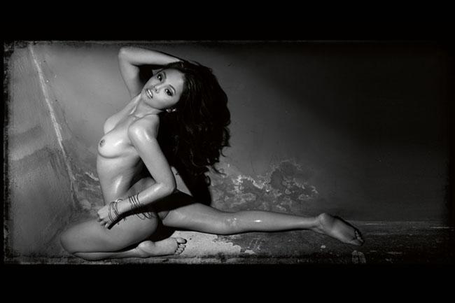 premiere vixens akiko mendoza nude photo