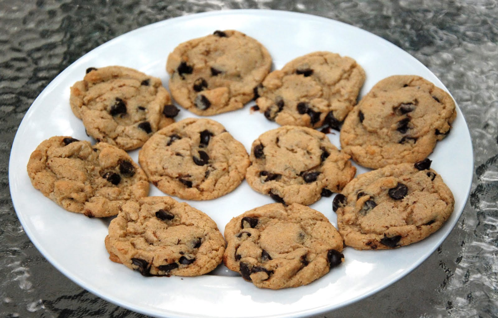 cinnamon: brown butter chocolate chip cookies (gluten free)