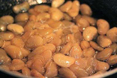 With Dried White Bean Jam (Mứt Đậu Trắng)