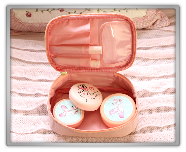 Etude House Haul Review accessories decor kawaii cute pink ebay beauty korean cosmetics dreaming swan pouch
