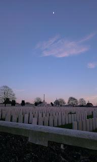 Zonnige winteravond op Tyne Cot Cemetery