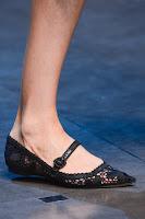 Ниски обувки от дантела на Dolce & Gabbana