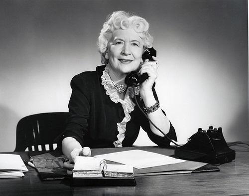 o uso de telefone fixo era muito comum antes do smartphones