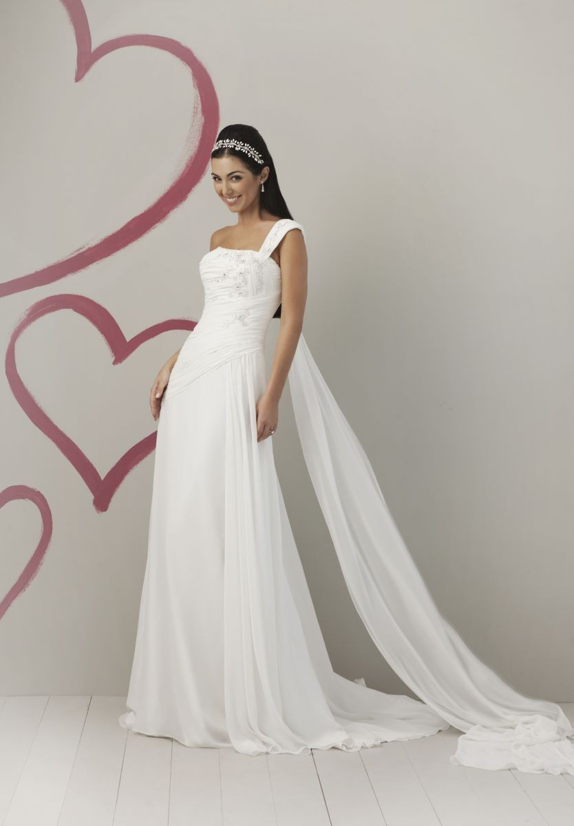 One shoulder wedding dress for One shoulder beach wedding dress