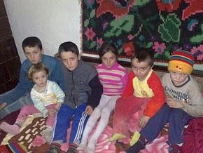 NICUŞOR, VLĂDUŢ, CRISTINA, ADRIAN, MARIO AND DENISA