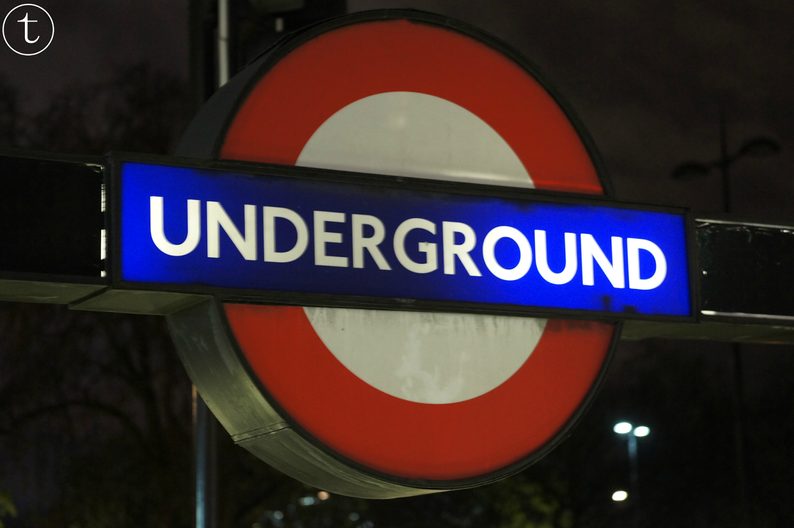 underground logo in london