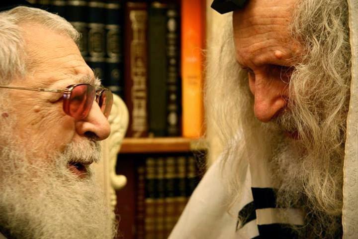 הרב אליעזר ברלנדעם הרב עובדיה יוסף