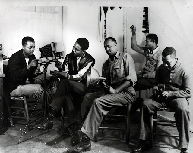Eugene Roquemore, Photography Class Taught by Curtis Humphrey at Wiley College, Marshall, Texas, ca. 1947. Courtesy Documentary Arts Collection/International Center of Photography.