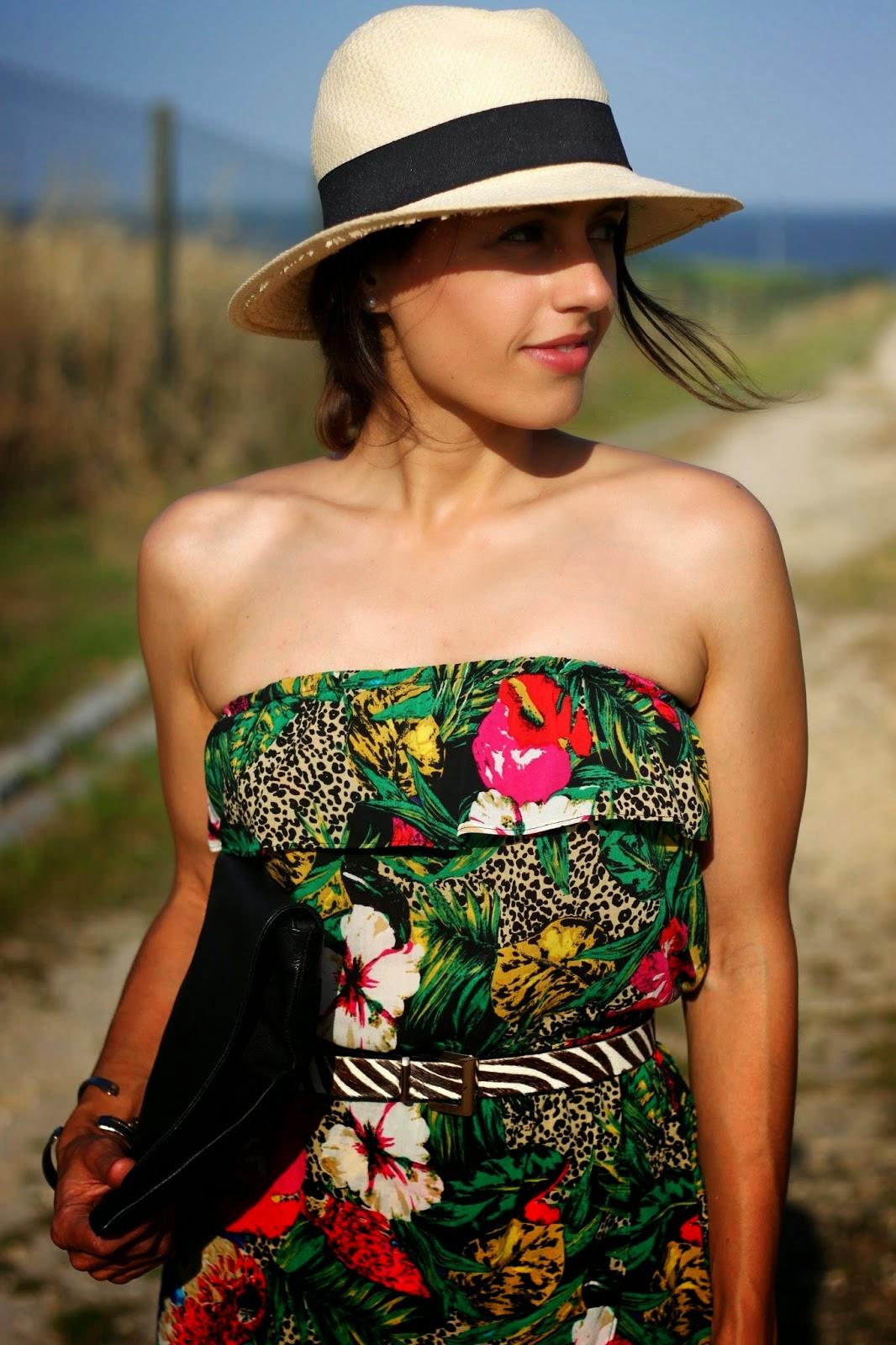 http://ilovefitametrica.blogspot.pt/2014/06/tropical-dress.html