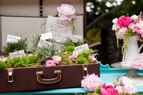Jardinera original para boda vintage, maleta antigua de madera para poner regalos para invitados