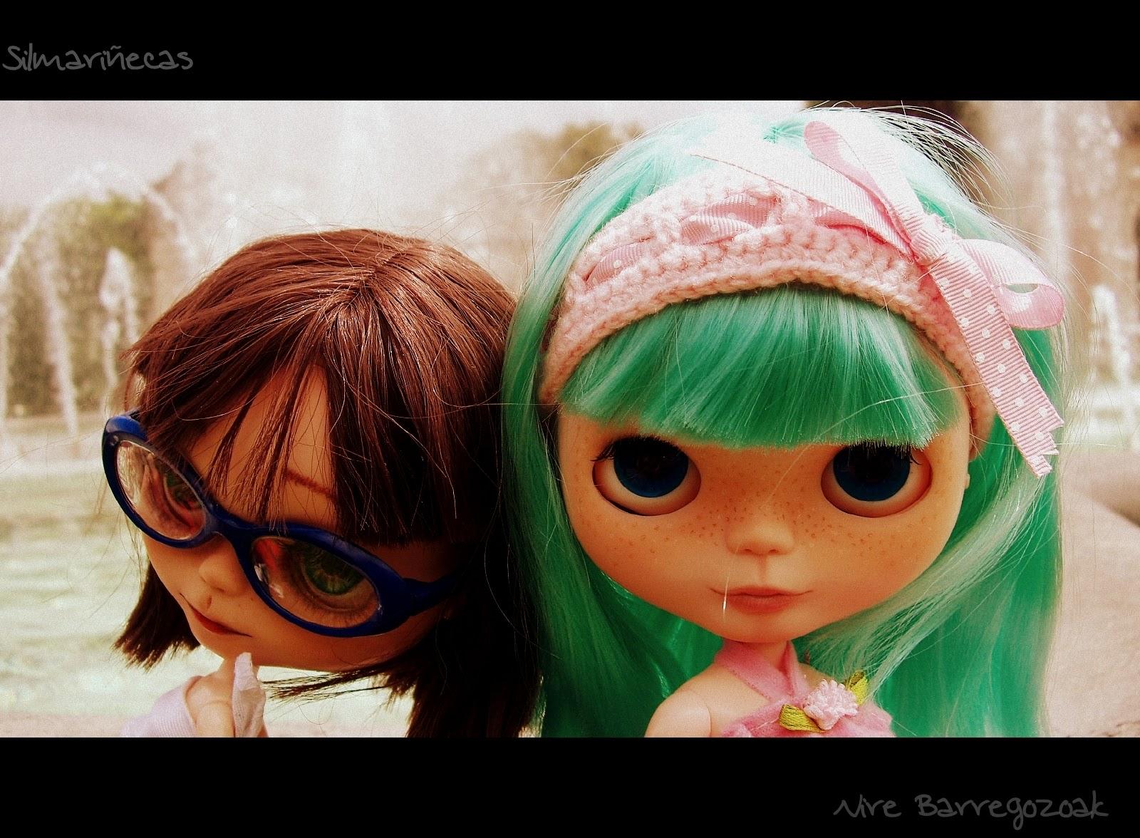 Basaak dolls en la fuente del parque de Doña Casilda