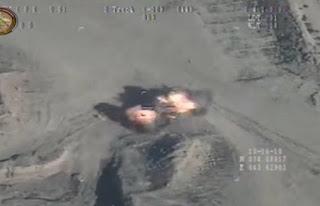 Τέσσερις πανικόβλητοι τζιχαντιστές γίνονται κάρβουνο από πύραυλο (βίντεο)
