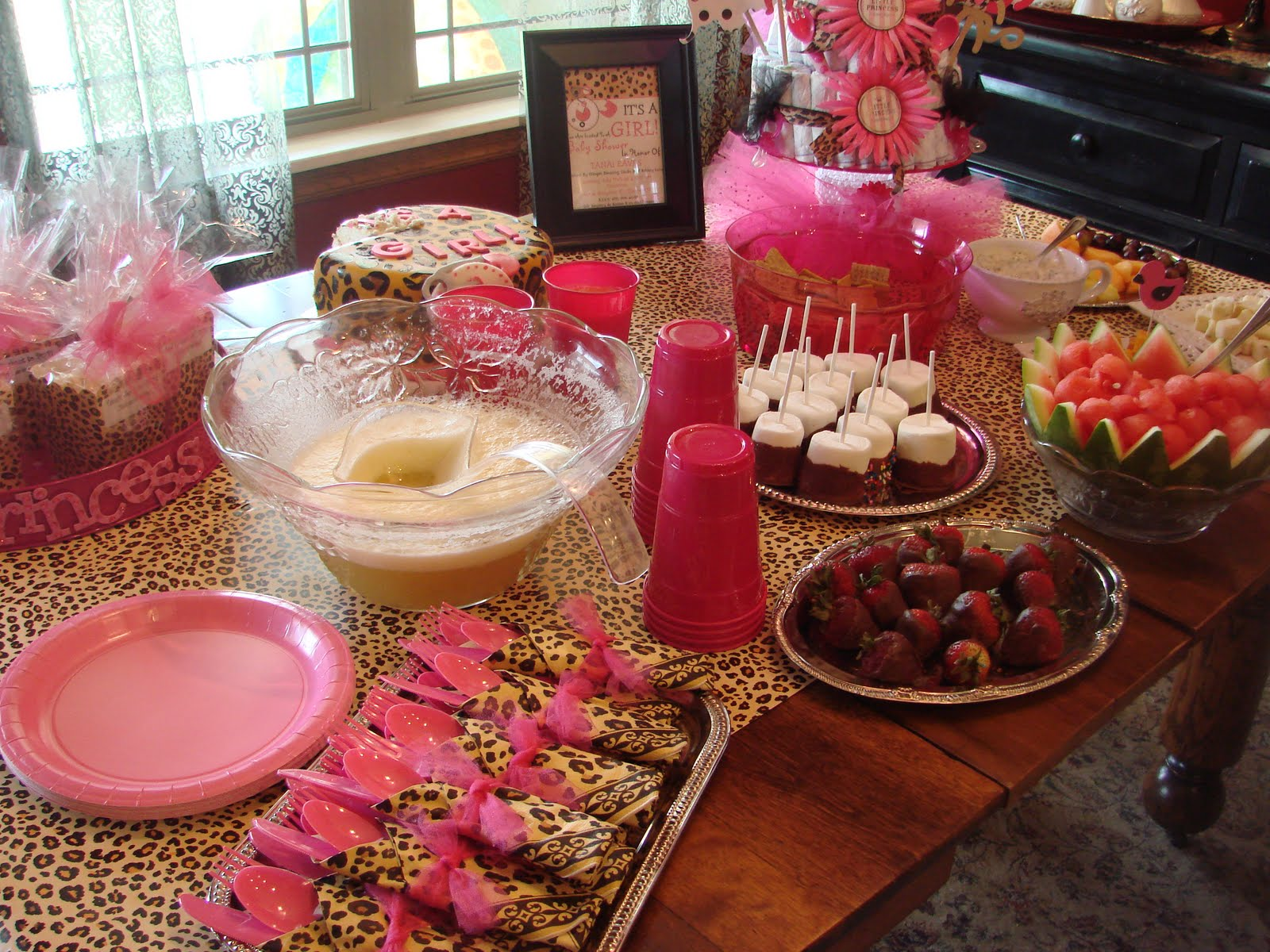 Fabulous and fru fru pinkalicious baby shower for Animal print decoration party
